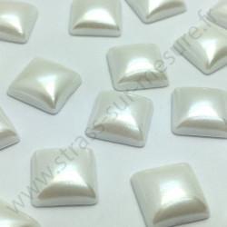 Demi-perle nacrée carré à coller - Blanc nacré - 10mm - détail
