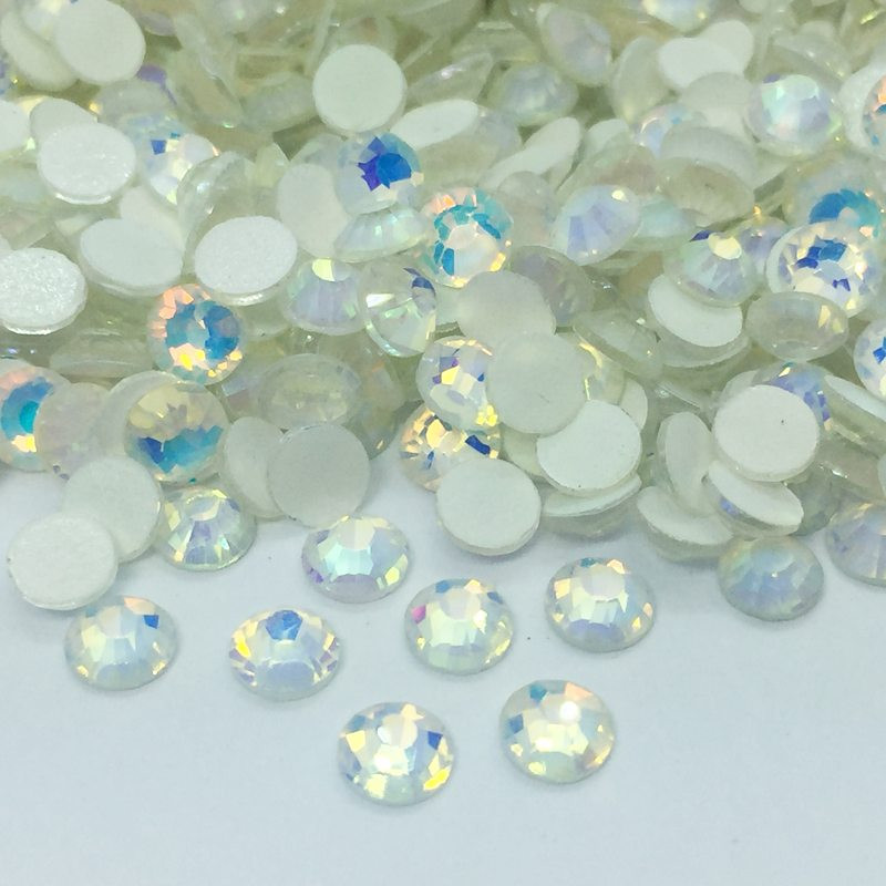Strass en verre à coller phosphorescent - Blanc AB - 2mm à 5mm - détail