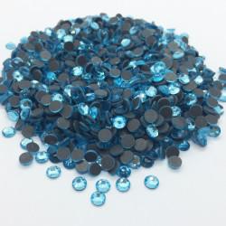 Strass thermocollant en verre DMC - Bleu lagon - 2mm à 6mm - nouvelle collection