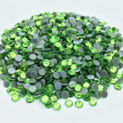 Strass thermocollant en verre - Vert péridot - 2mm à 6mm