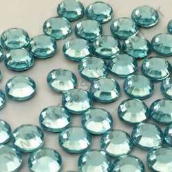 Strass thermocollant en verre DMC - Bleu lagon - 2mm à 6mm - détail
