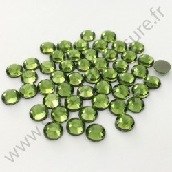 Strass thermocollant en verre DMC - Vert olive - 2mm à 6mm