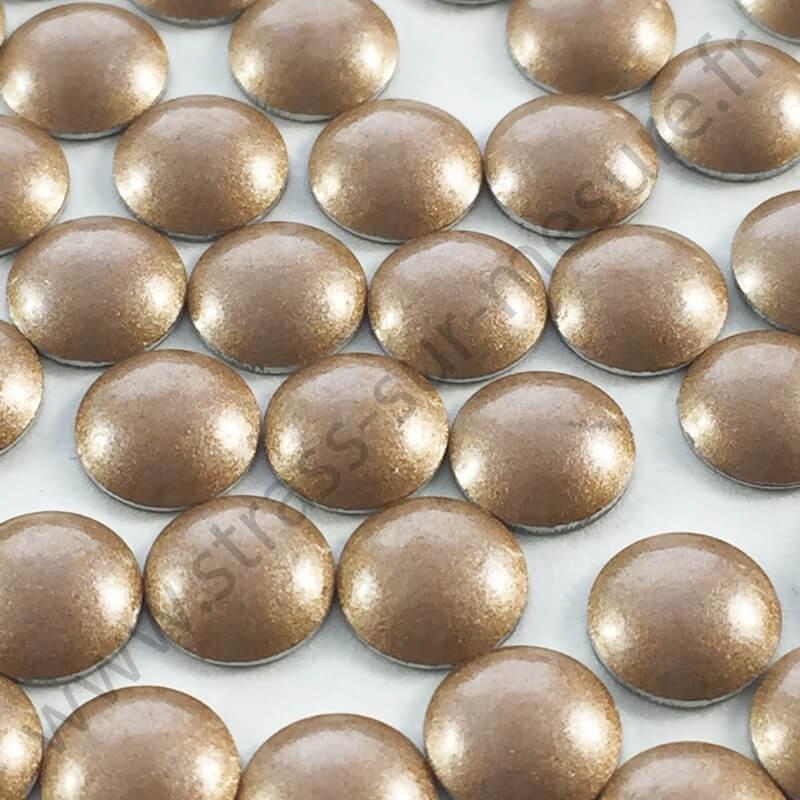 Strass thermocollant en métal rond bombé - Bronze nacré - 2mm à 6mm - détail