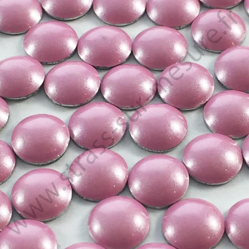 Strass thermocollant en métal rond bombé - Rose clair nacré - 2mm à 6mm - détail