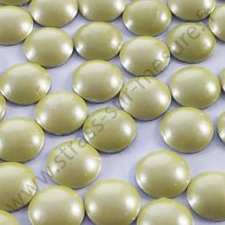 Strass thermocollant en métal rond bombé - Jaune nacré - 2mm à 6mm - détail