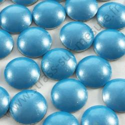 Strass thermocollant en métal rond bombé - Bleu ciel nacré - 2mm à 6mm - détail