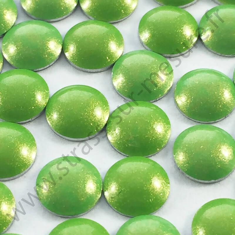 Strass thermocollant en métal rond bombé - Vert pomme nacré - 2mm à 6mm - détail