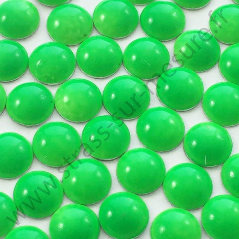 Strass thermocollant en métal rond bombé - Vert fluo - 2mm à 8mm - détail