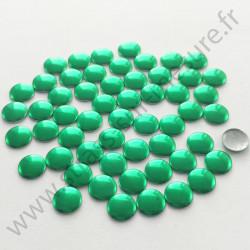 Strass thermocollant en métal rond plat - Vert sapin- 2mm à 6mm