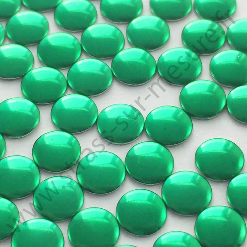 Strass thermocollant en métal rond plat - Vert sapin- 2mm à 6mm - détail