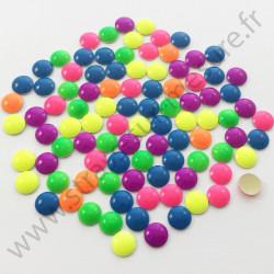 Strass thermocollant en métal rond bombé - Multicolore fluo - 2mm à 6mm