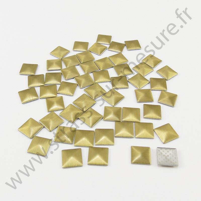 Strass thermocollant en métal carré - Doré mat