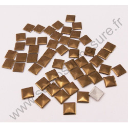Strass thermocollant en métal carré - Marron