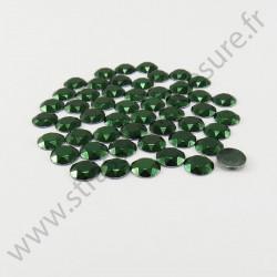 Strass thermocollant en métal à facettes - Vert émeraude